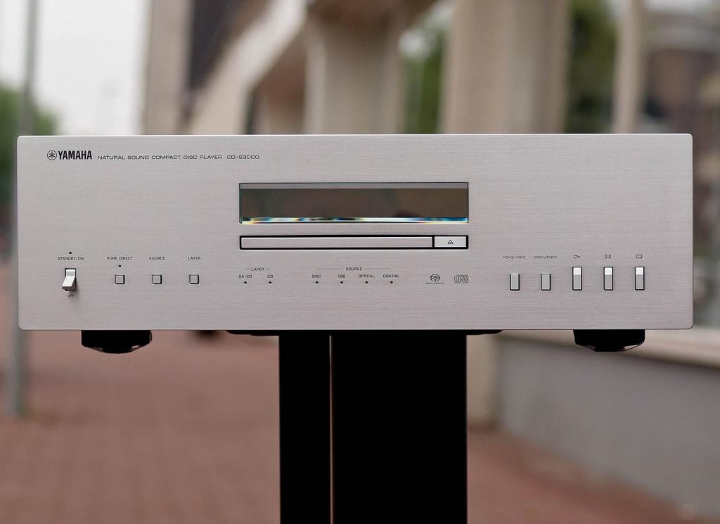 Dau CD Yamaha CD-S3000