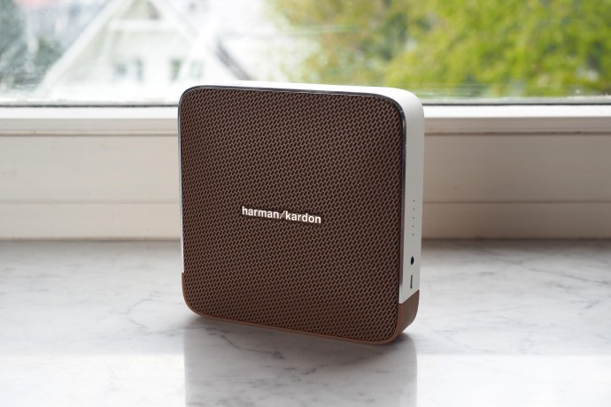 Loa Harman Kardon Esquire chuan
