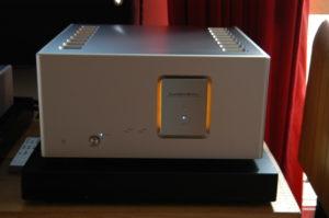 Power ampli Luxman M-800A chuan