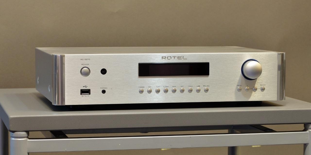 pre ampli Rotel RC-1570