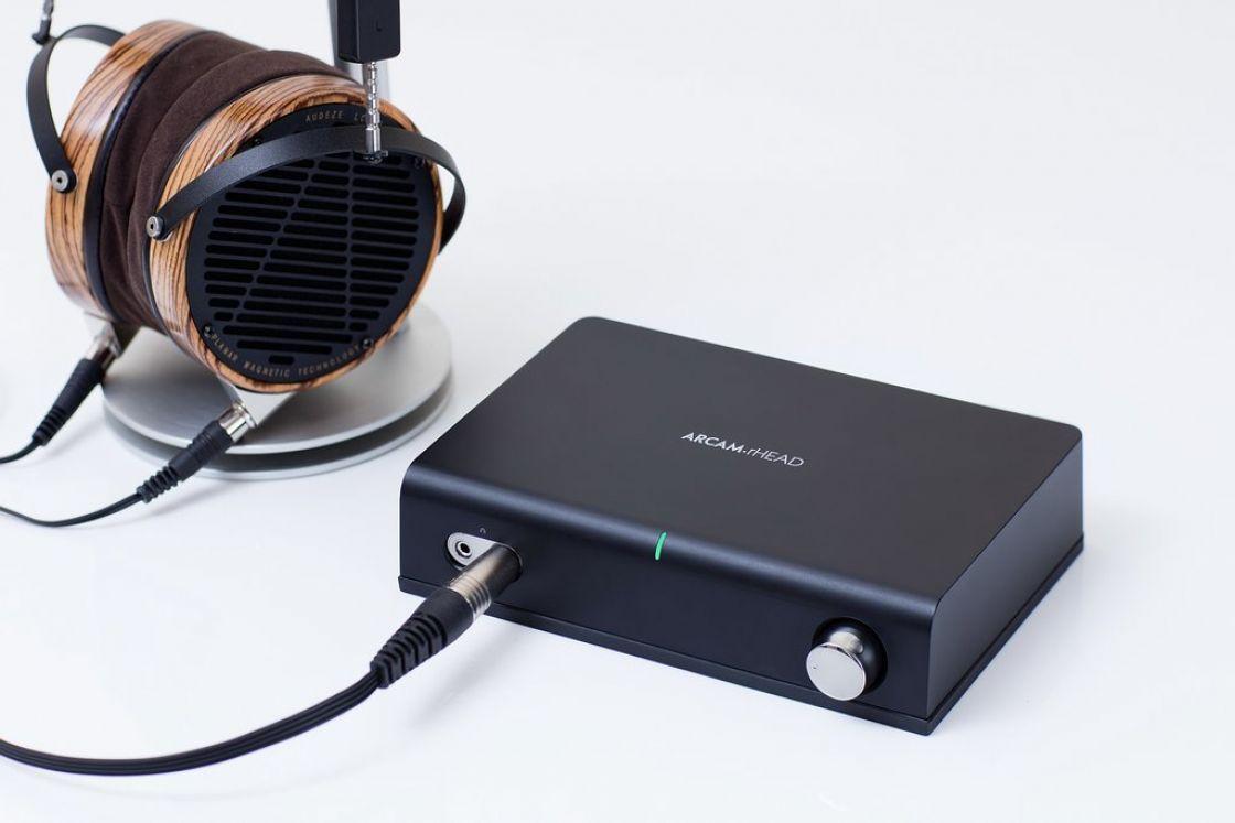 Headphone amplifier Arcam rHead