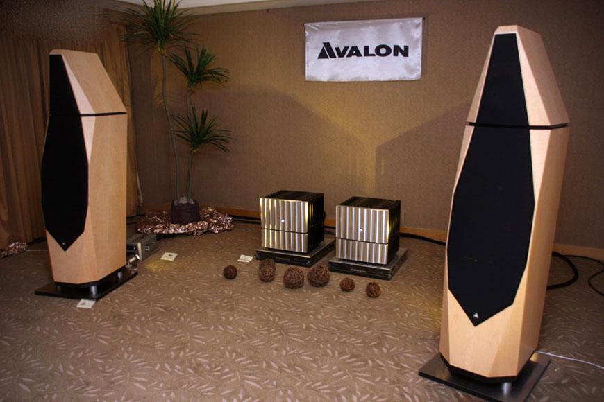 loa Avalon Isis walnut