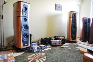 loa AudioSolutions Rhapsody 200