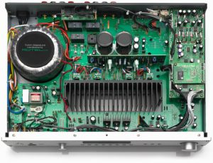 ampli Rotel A11 trong