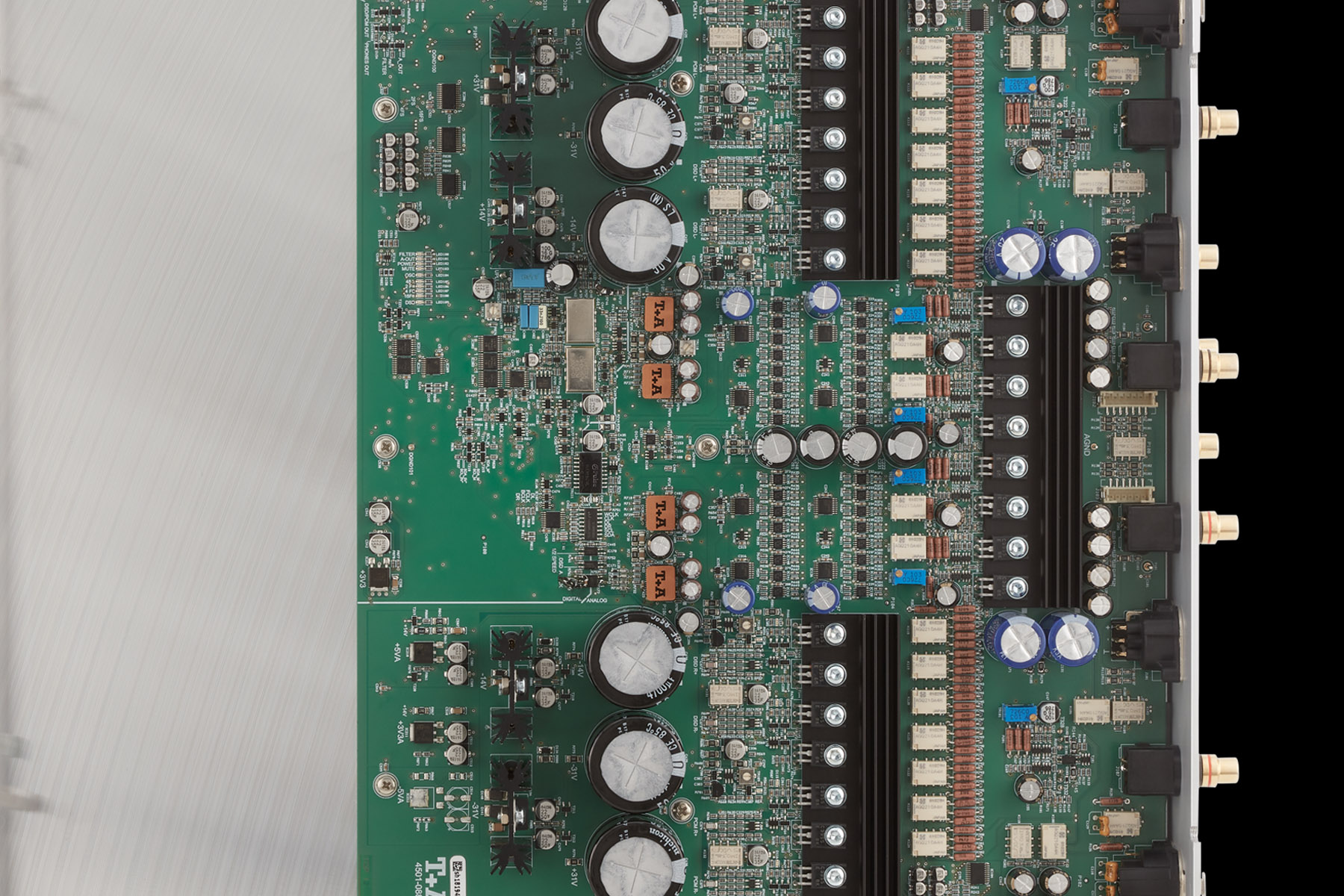 pre ampli TA SDV 3100 HV trong